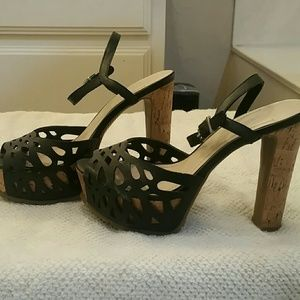 BCBG cork heels size 6.5